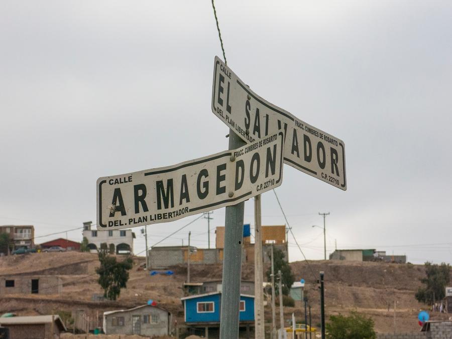 The intersection of Armagedon y El Salvador