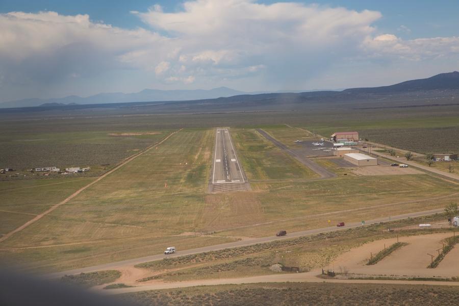 Taos Runway 22 final approach