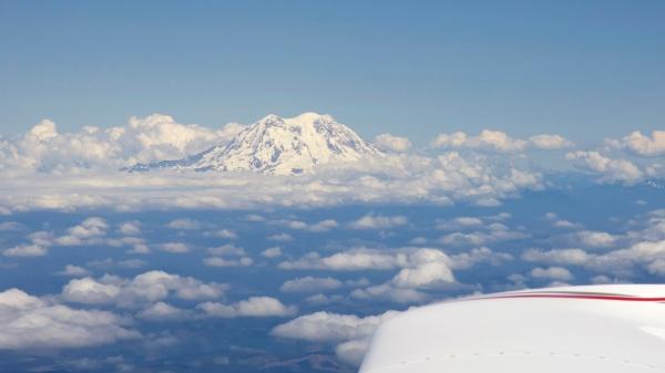Mt. Ranier, to starboard