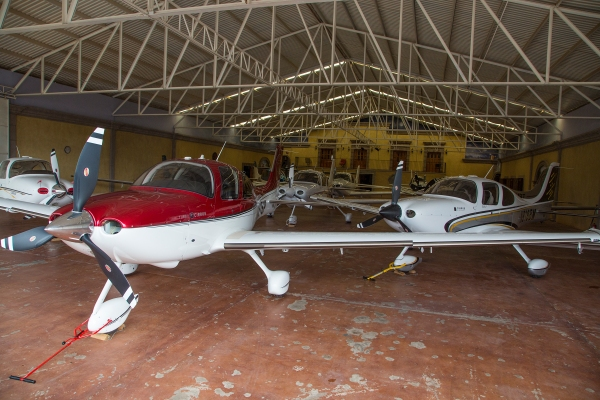 Álamos hangar