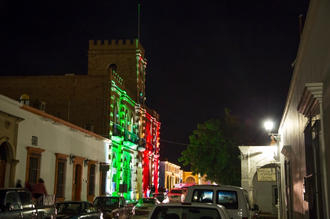 NIghttime Álamos town hall