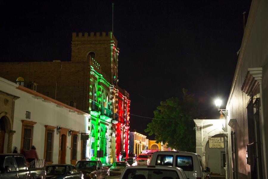 NIghttime Álamos town hall