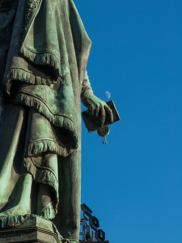A lunar charter, Charles Bridge, Prague