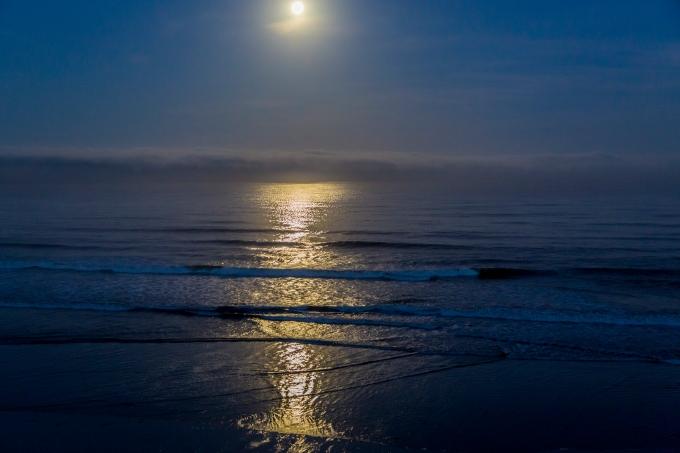 05-07-20 moonset